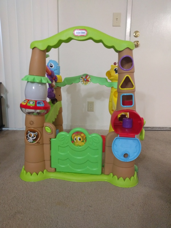 The Little Tikes Garden Treehouse